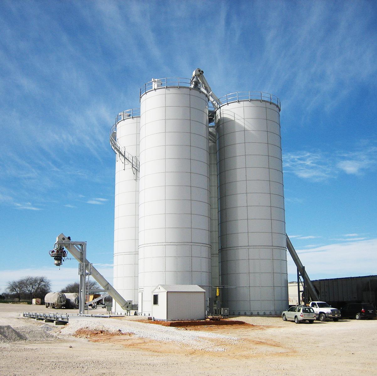 Rail load/unload frac sand terminal