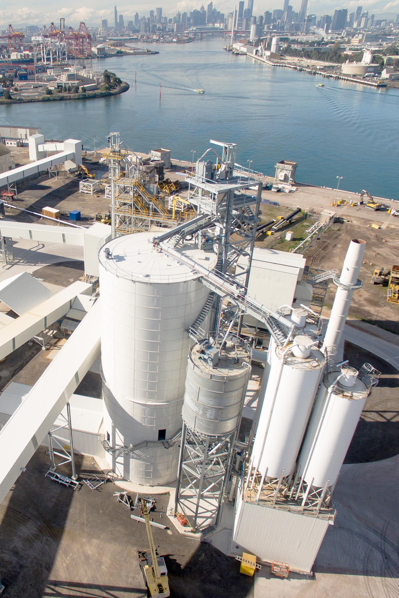 Slag cement terminal