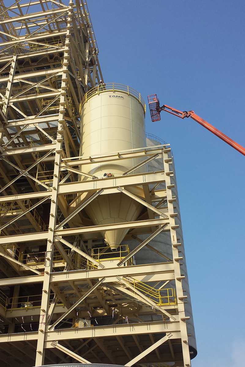 Hopper storage tank installation