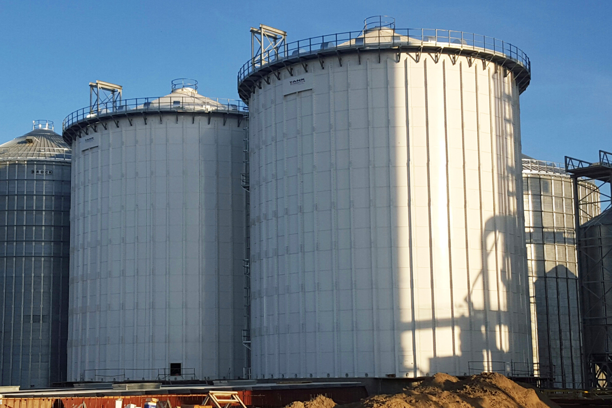 Bolted RTP soybean meal storage tanks