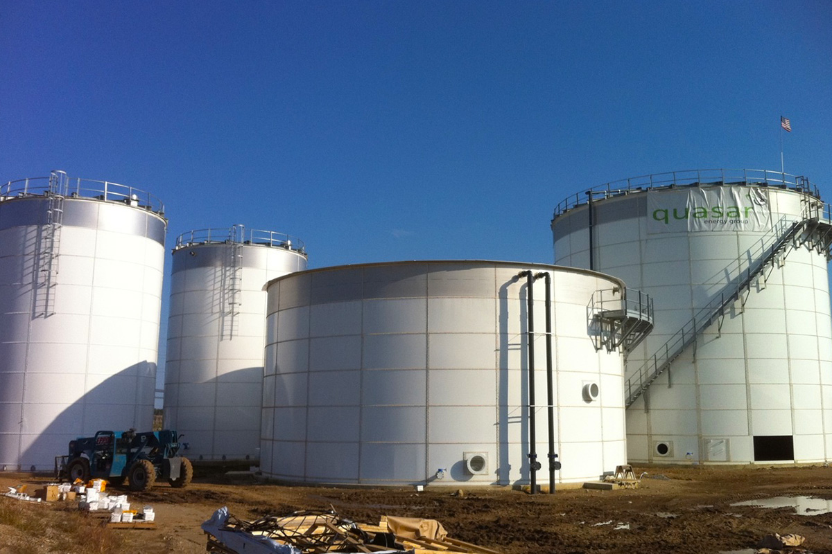 Liquid storage tank systems