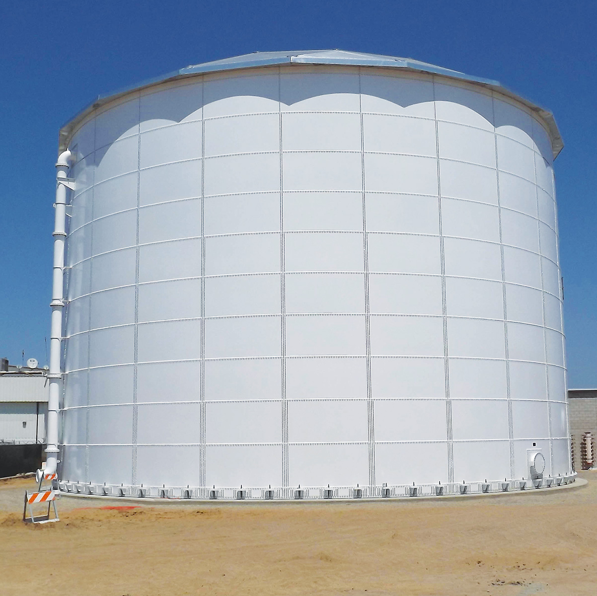 Aluminum dome on new tank construction